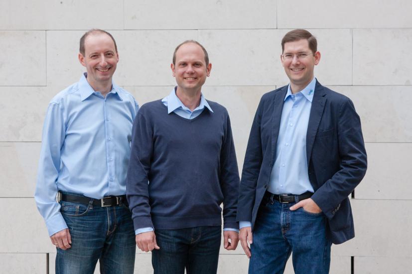 Es sind die Gründer und Geschäftsführer von Weatherpark zu sehen. Von links nach rechts: : Mag. DI Wolfgang Gepp, Mag. Matthias Ratheiser, Mag. Simon Tschannett